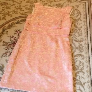 Ladies sleeveless 👗 in gold & pink brocade size 8